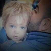 """Iñaki Abadie: """"me molesta mucho cuando alguien pregunta: """"¿Ayudás a Flo con el bebe?"""". A ver… ¡no la ayudo! hago lo que tengo que hacer y lo que me corresponde como padre"""""""